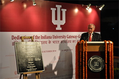 McRobbie dedicating the India gateway.